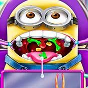 скрин игры Доктор лечит рот миньона